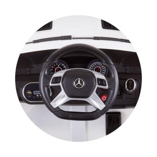 Elektrische auto Mercedes Benz ML 350 interieur